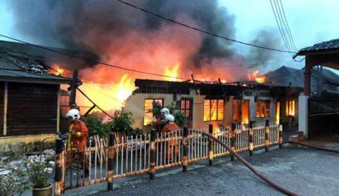 2 Beranak Rentung Dalam Kebakaran