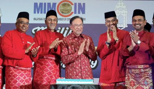 """Tak Masuk Akal Dakwa Saya Dalang"" – Anwar"