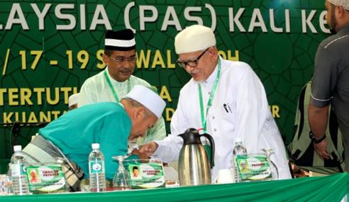 Majlis Syura Ulamak PAS Luluskan Kerjasama Dengan UMNO