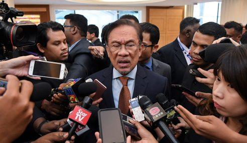Akta Hasutan: Anwar Mahu Jumpa Mahathir