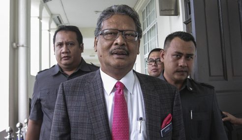 Mahathir Gugur Tuntutan Batu Puteh Tanpa Rujukan – Apandi