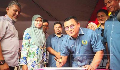 Skandal Dengan ADUN Wanita, MB Selangor Rujuk Peguam
