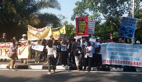 300 Nelayan Gegar Parlimen Bantah Tambak Laut Pulau Pinang