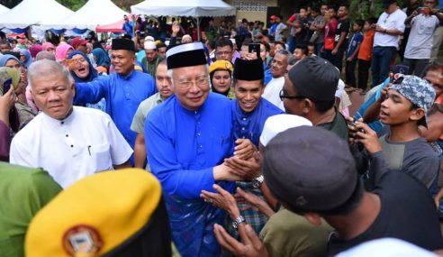Khairy Tak Dapat Terima Kebangkitan Najib – Lokman Adam