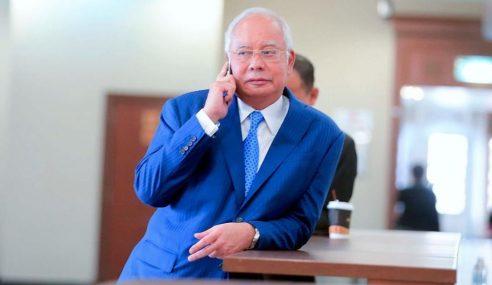 """""""Saya Tak Pernah Lari Daripada Bayar Cukai"""" – Najib"""