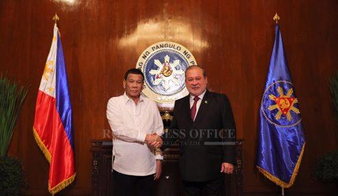 Sultan Johor Terima Darjah Kebesaran Daripada Presiden Filipina