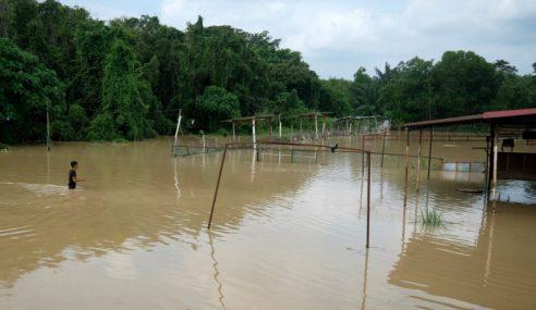 Banjir Kilat Di Melaka, 2 Sekolah Ditutup