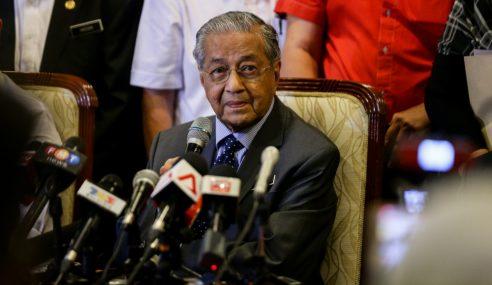 Malaysia Berhak Dapat Kembali Wang Terlebih Bayar – Mahathir
