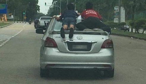 Budak Meniarap Pada Cermin: Polis Tahan Pemandu Kereta