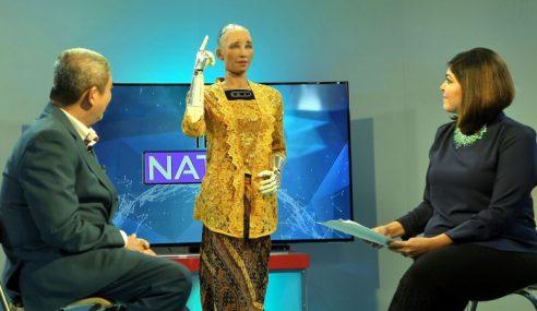 Robot Sophia Kongsi Pandangan Mengenai Keamanan Dunia