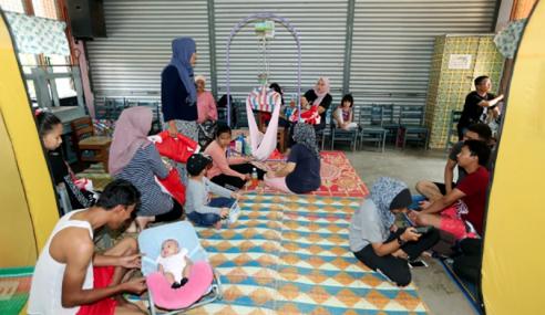 Jumlah Mangsa Banjir Kilat Di Melaka Terus Meningkat