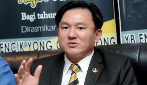 Exco Paul Yong Didakwa Merogol Tidak Perlu Letak Jawatan