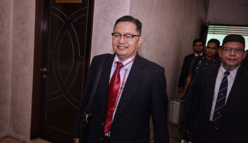 Dr. Shahrom Tidak Setuju Tiada Lebam Di Belakang Adib