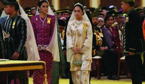 Tengku Puteri Jihan Anggun Berbusana Permaisuri Agong