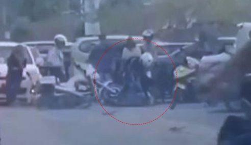 Tular 2 Rakaman Video Polis Pukul Remaja Lelaki