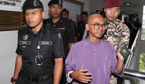 Wan Ji Dibenarkan Tangguh Hukuman Penjara Setahun