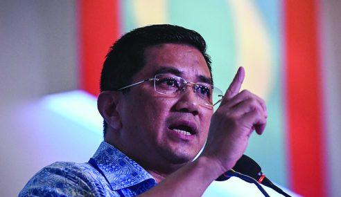 Batal Jemput Azmin Rasmi Kongres Tanda PKR Dilanda Krisis