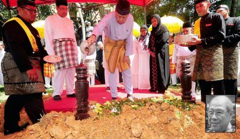 Jenazah Tengku Besar Putra Selangor Selamat Dimakamkan
