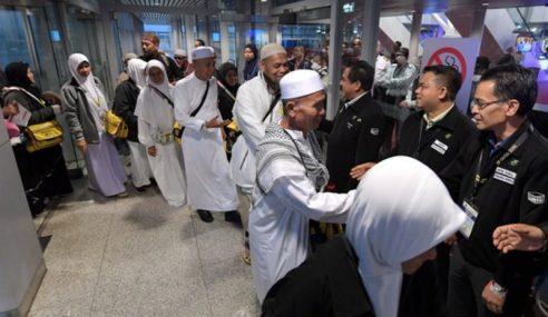Kumpulan Pertama 483 Jemaah Haji Berlepas Ke Tanah Suci