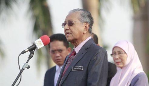 Penjawat Awam Jangan Melenting Bila Ditegur – Mahathir