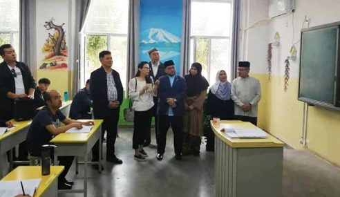 Pusat Tahanan Xinjiang: Mat Sabu Mahu Penjelasan Mujahid