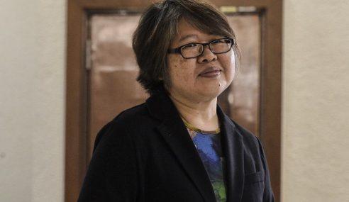 Najib Bengang Selepas Tahu RM42 Juta Masuk Akaunnya – Saksi