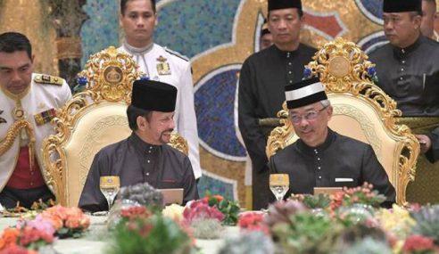 Sultan Brunei Yakin Kewibawaan, Kebijaksanaan Al-Sultan Abdullah