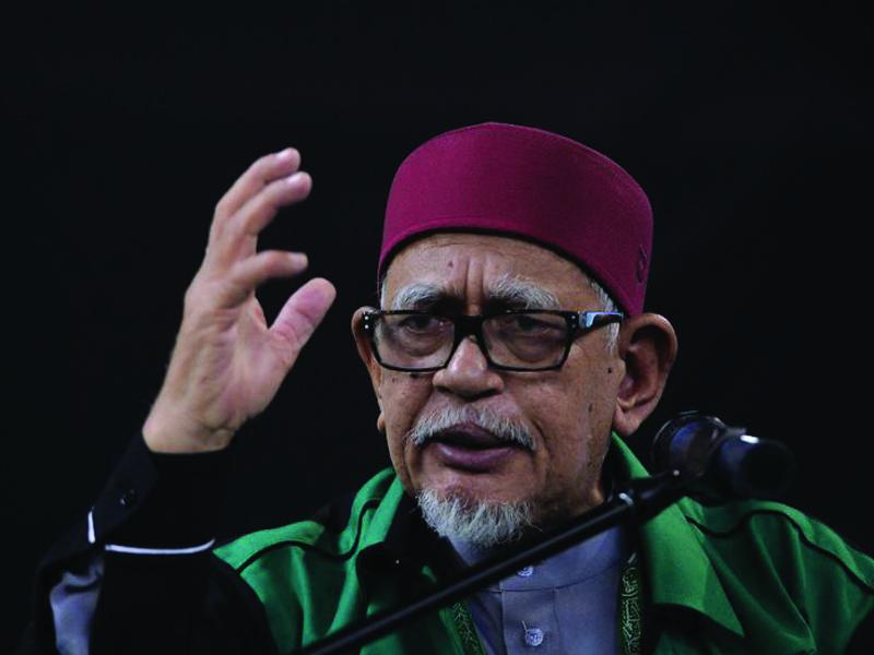 """""""Ingat, Lee Kuan Yew Mampu Tulis Jawi"""" – Abdul Hadi"""
