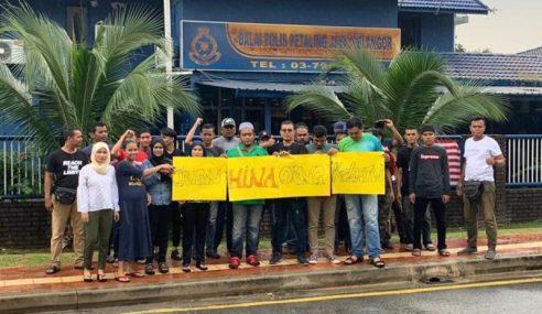 Anak Kelantan Gesa Polis Siasat Caprice
