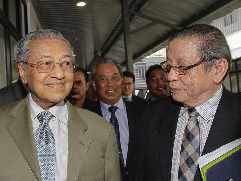 Kit Siang Kata Mahathir Salah Label Dong Zong Rasis