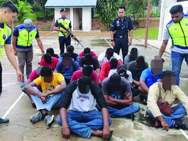2 Termasuk Anggota Polis Cedera Diserang Parang Di Kuil