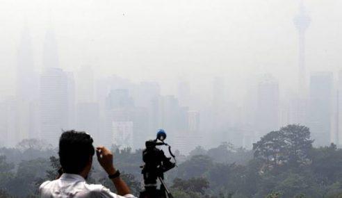 Menara KL, Menara Berkembar Petronas 'Ditelan' Jerebu