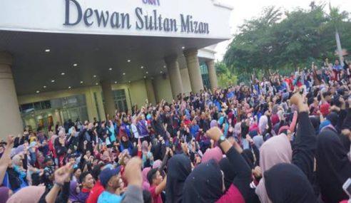 Mahasiswa Bantah Gabung UMT Dan UniSZA