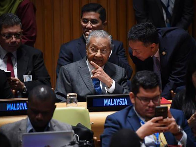 Mahathir Janji Lepas Jawatan PM Sebelum PRU15