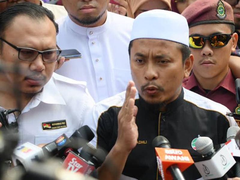 Pemuda PAS, UMNO Gesa Tommy Letak Jawatan Atau Bercuti