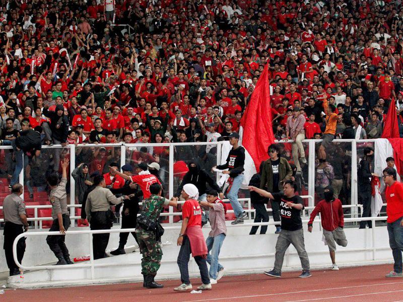 Penyokong Buat Onar, FIFA Denda Indonesia RM190,000