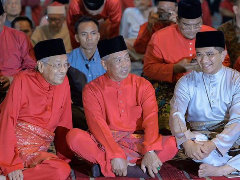 Mahathir Akan Pertimbang Jika Azmin Mahu Sertai PPBM