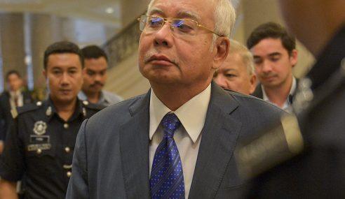 Zuraida Menteri Malaysia Atau Hong Kong Dan China?