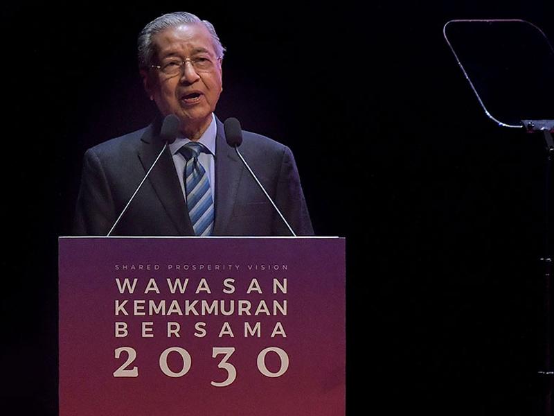 Kerajaan Akan Perkenal Cukai Baru Tingkat Hasil – Mahathir