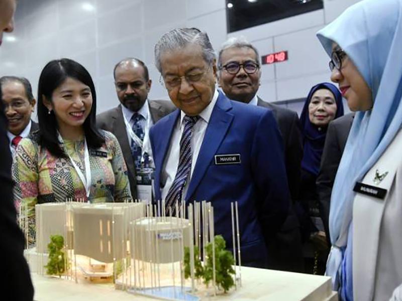 Turun Cukai, Naikkan Subsidi Itu Permintaan Mustahil – Mahathir