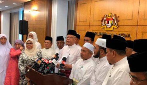 Pembangkang 'Sepakat' Berbaju Putih Ke Parlimen