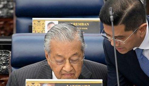 18 Wakil Rakyat PAS, 6 Dari UMNO Sokong Mahathir