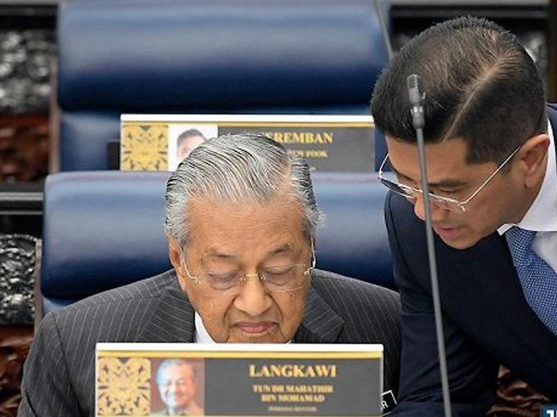 Peralihan Jawatan PM Muktamad, Tapi Mahathir Belum Sedia