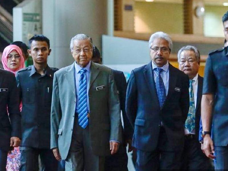 """""""Saya Masih Boleh Simpan Waytha Moorthy"""" – Mahathir"""