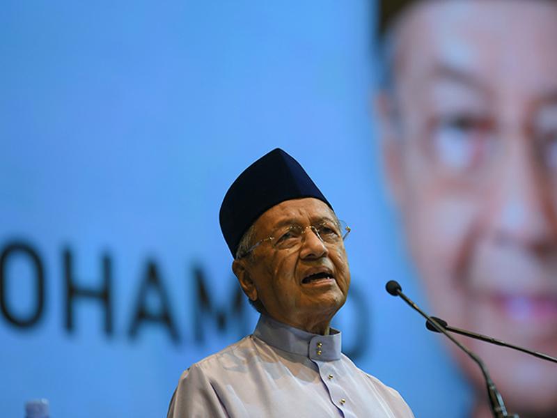 Mahathir Pertahankan Kenyataan Melayu Malas