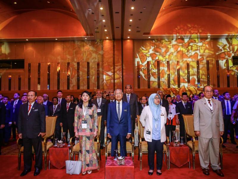 Mahathir Nafi Beri Projek Kepada Keluarga Masa Jadi PM Ke-4