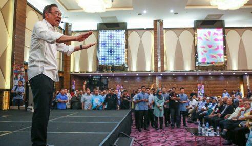 Anwar Tidak Mahu Terburu-Buru Ganti Mahathir