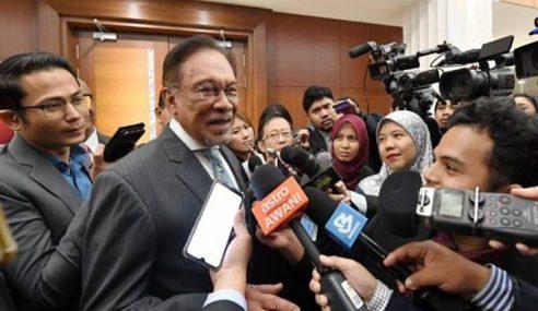 Anwar Akur Titah Sultan, Zakat Hanya Untuk Orang Islam