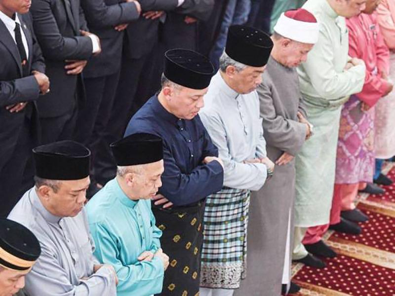 Agong Solat Jumaat Di Masjid Abu Hurairah Kampung Batu