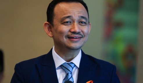 Maszlee Enggan Ulas Biasiswa, Dakwa Najib Curi Duit Rakyat